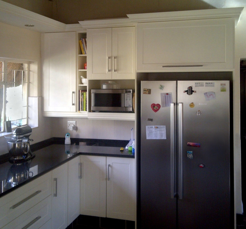 Kitchen designer kitchens cupboards for Kitchen designs randburg