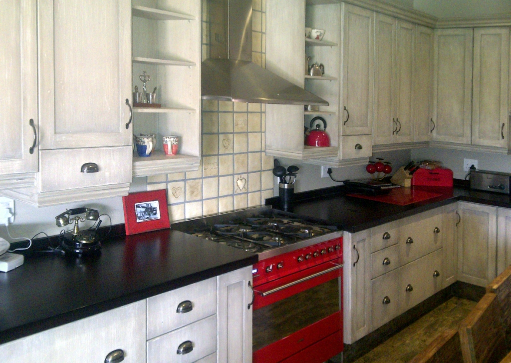 Pre used kitchen cabinets pretoria entertainment center for Kitchens centurion